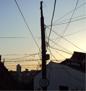 Electricity cables in Veliko Turnovo city centre (Hiteva, 2011)